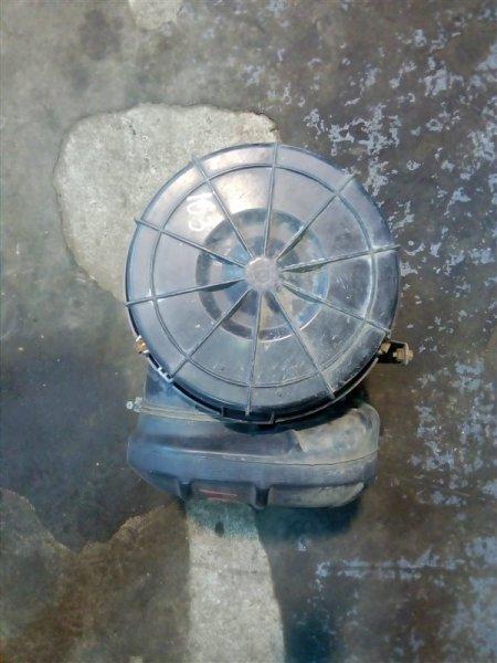 Корпус воздушного фильтра Nissan Diesel MK211H FE6 1995