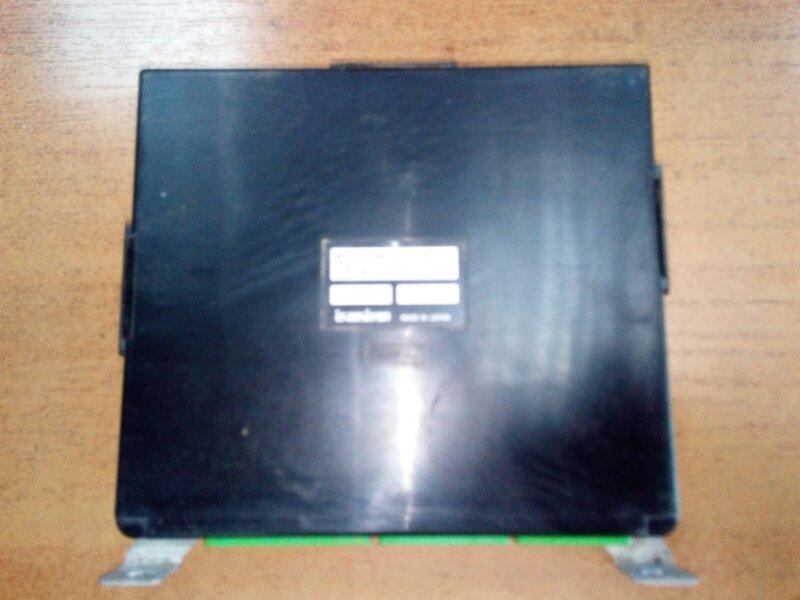 Блок управления двс Isuzu Elf NPR85 4JJ1 2008