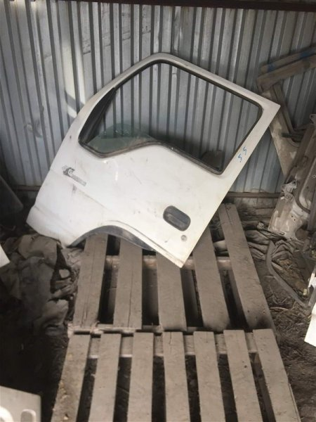 Дверь Isuzu Elf NKR71E 4HG1 1997 передняя левая