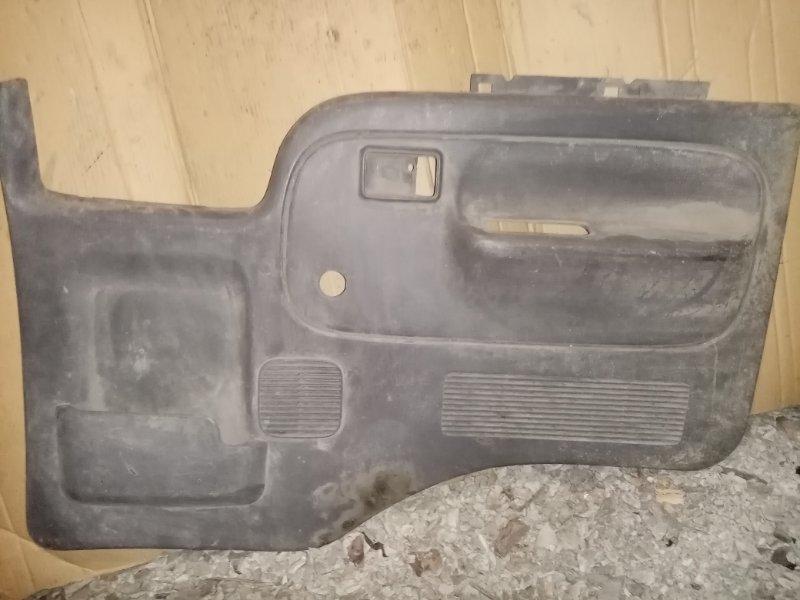 Обшивка двери Nissan Atlas F23 TD27 1996 передняя правая