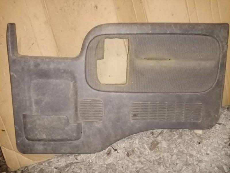 Обшивка двери Nissan Atlas G2H41 FD42 1996 передняя правая