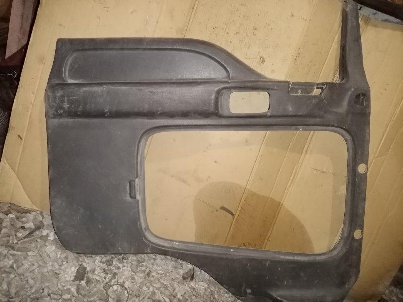 Обшивка двери Isuzu Forward FRR33 6HH1 1995 передняя левая