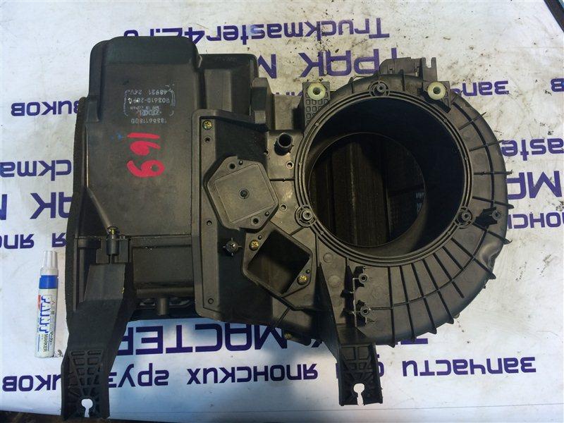 Корпус мотора печки Isuzu Forward FRR34L 6HK1 2004