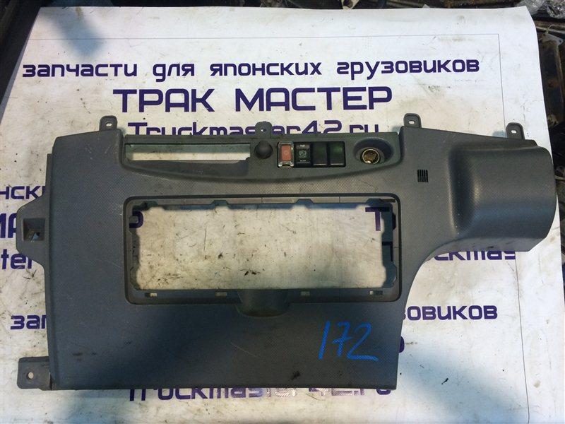 Консоль панели приборов Isuzu Forward FRR90 4HK1 2011