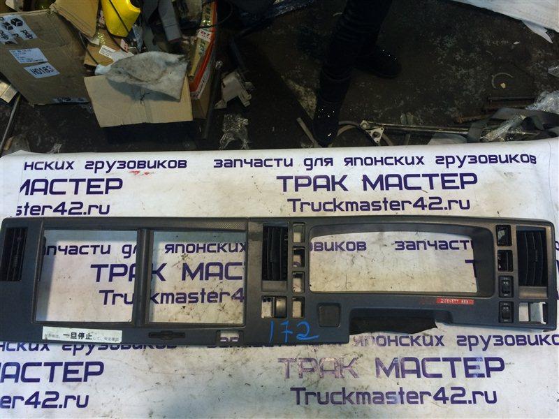 Консоль панели Isuzu Forward FRR90 4HK1 2011