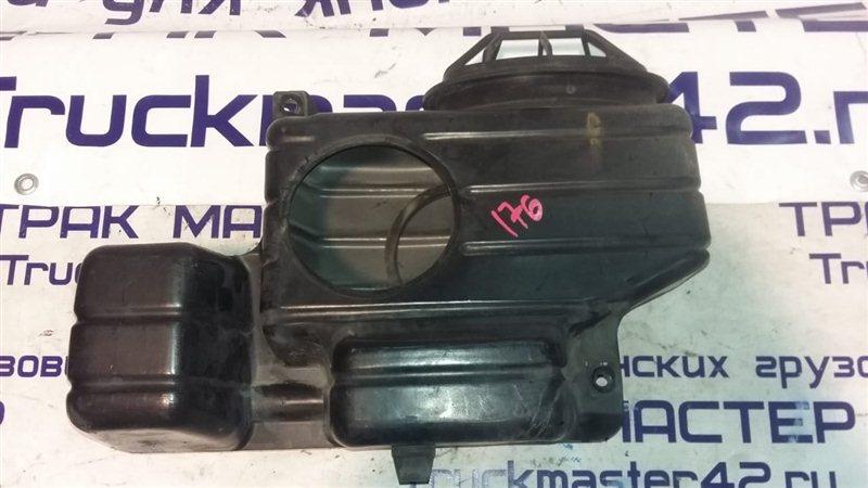 Воздухозаборник Nissan Diesel MK25A FE6 2004