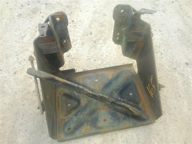 Крепление аккумулятора Hino Dutro XZU414 N04C 2004