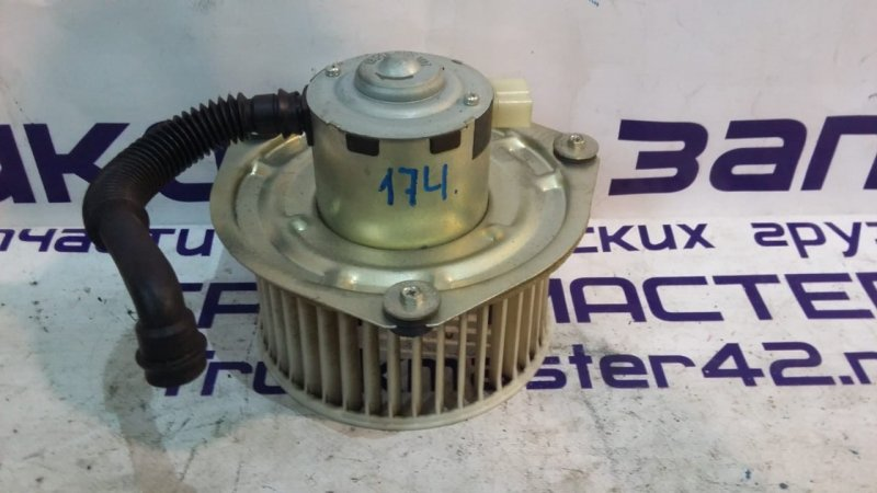 Мотор печки Nissan Diesel MK35C J05D 2007