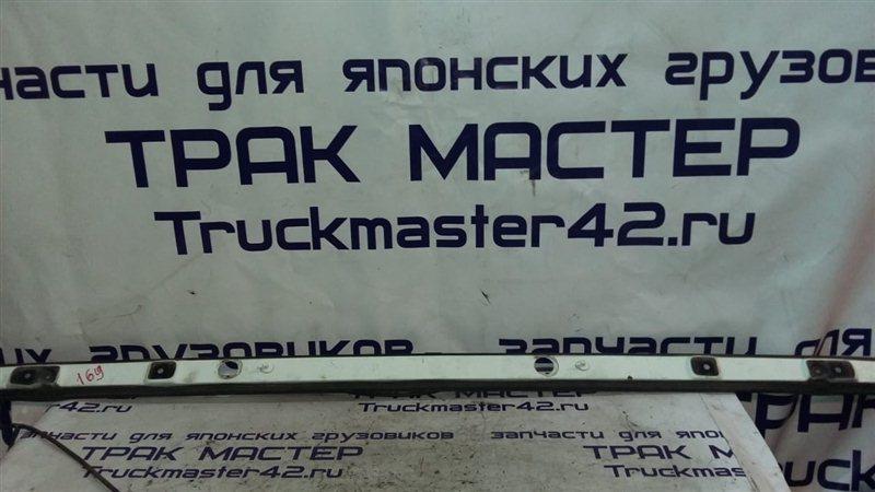 Панель дворников жабо Isuzu Forward FRR34L 6HK1 2004