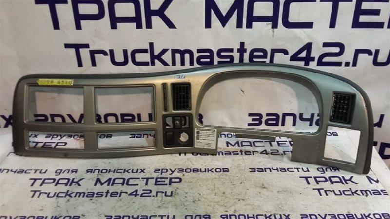 Консоль панели приборов Nissan Diesel MK35C J05D 2007