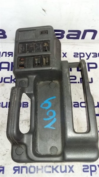 Кожух ручки ручника Isuzu Forward FRR34L 6HK1 2004