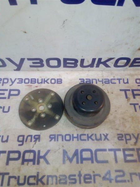 Шкив помпы Mitsubishi Canter FE516B 4D36 1997