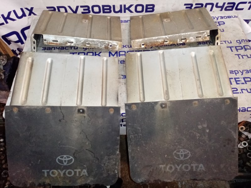 Крыло задние Toyota Dyna XZU411 S05D 2002