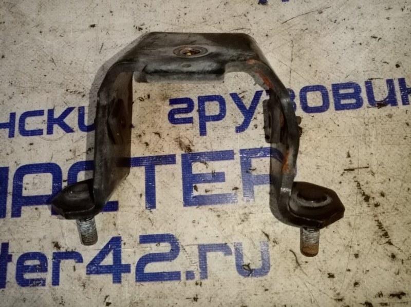 Кронштейн крепления подушки кпп Isuzu Forward FRR90 4HK1 2011