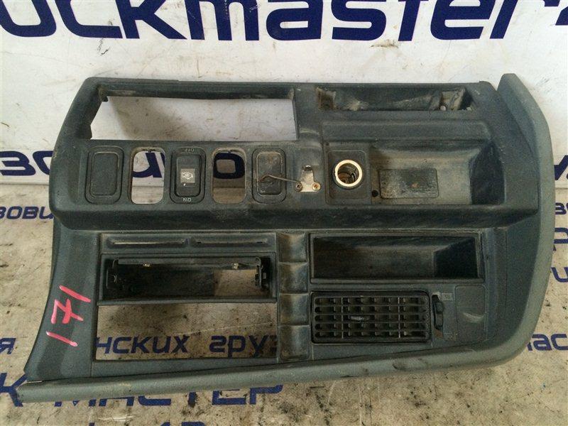 Консоль панели Mitsubishi Fuso FK618 6D17 1995