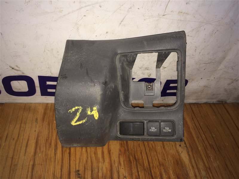 Консоль панели Mazda Titan WHF5T TF 2001