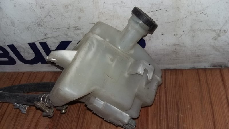 Бачок для тормозной жидкости Nissan Atlas F23