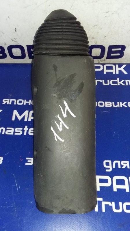 Кожух рычага переключения кпп Isuzu Elf NKR81 4HL1 2002