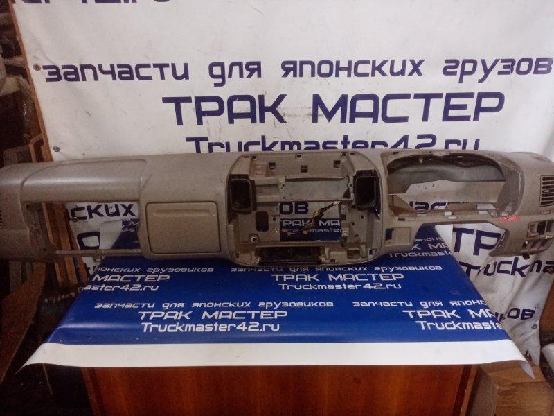 Консоль панели приборов Toyota Dyna XZU411 S05D 2002