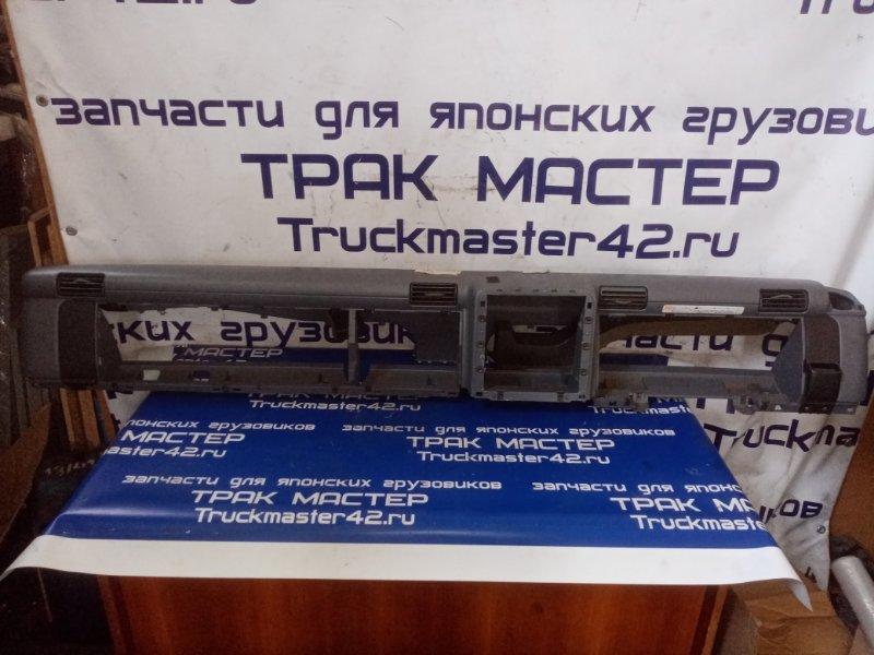 Консоль панели приборов Mitsubishi Canter FE83DY 4M50 2009