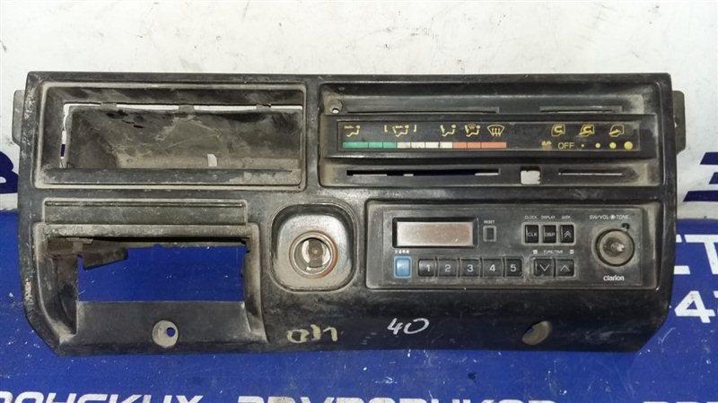 Консоль панели приборов Mitsubishi Canter FE315BD 4D32 1992