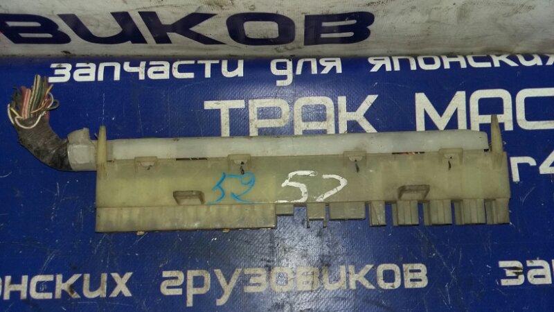 Блок предохранителей Isuzu Elf NKR71E 4HG1 2000
