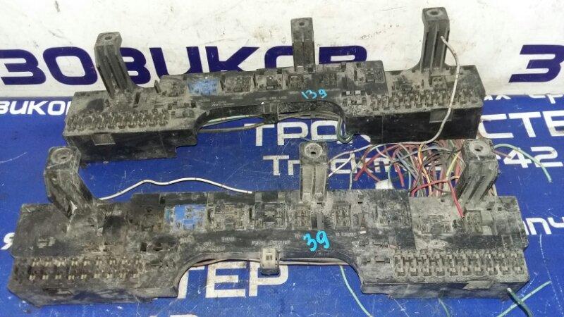 Блок реле Isuzu Elf NKR58E 4BE1 1992
