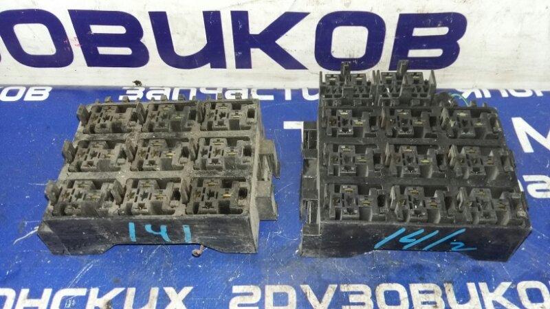 Блок реле Isuzu Forward FRR35L4S 6HL1 2003