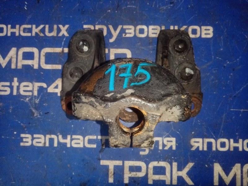 Кронштейн задней рессоры rf Isuzu Forward FRR34 6HF1 ГАЗ 2007