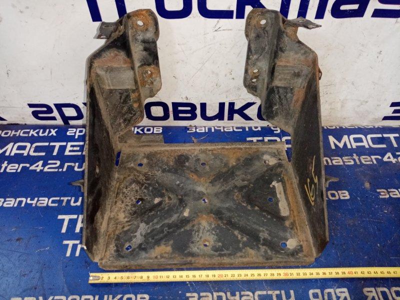 Подставка под аккумулятор Hino Dutro XZU414 N04C 2004