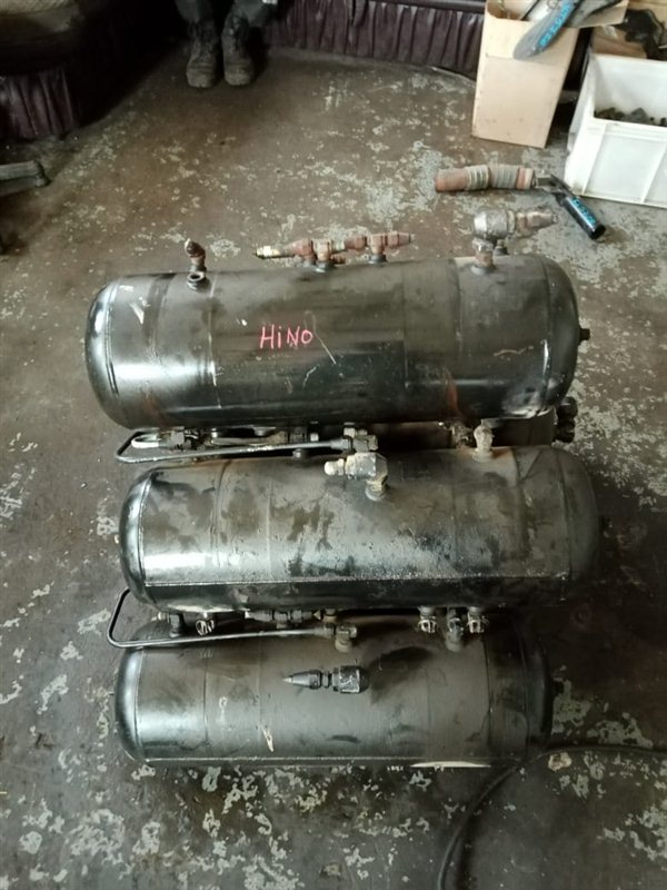Тормозной ресивер Hino Ranger FC3JKB J07C 1997