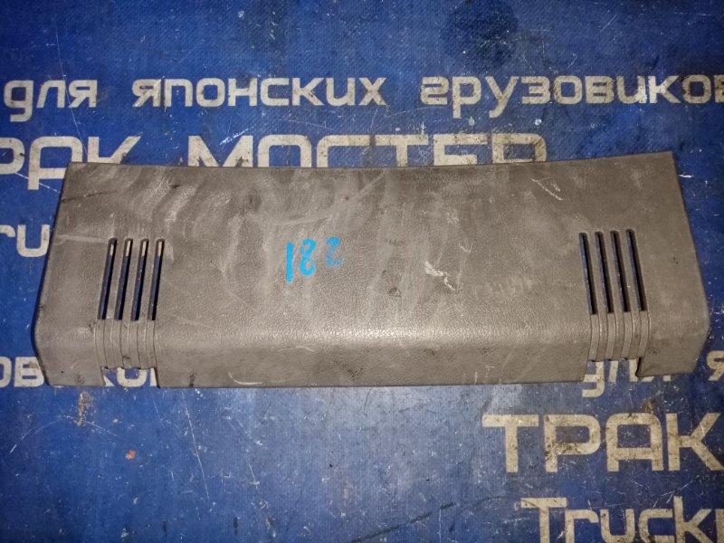 Пластик панели кабины Hino Profia FS4FZH F21C 2001