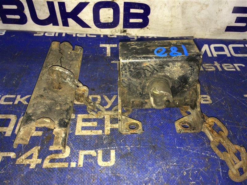 Крепление запасного колеса Isuzu Elf NKR71L 4HG1 2000