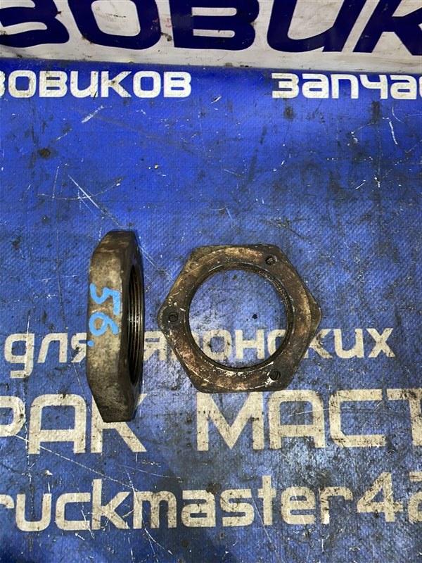 Гайка ступицы Nissan Diesel MK211H FE6 1997 задняя