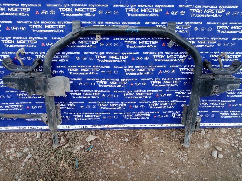 Крепление кабины задние Mitsubishi Canter FE82DG 4M50 2002