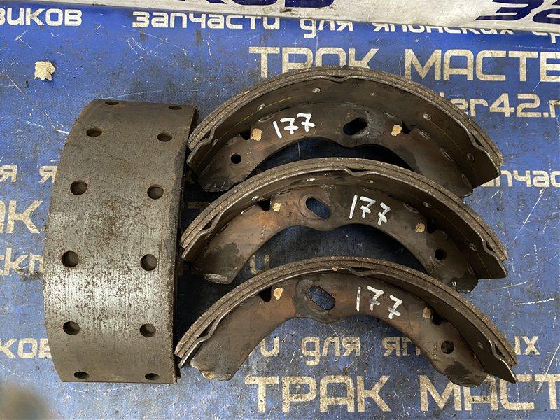 Тормозные колодки Isuzu Elf NPR72GY 4HJ1 2001 переднее