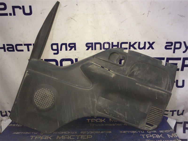 Обшивка двери Isuzu Elf NKR81L 4HF1 2002 передняя правая