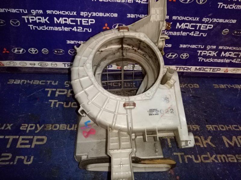 Корпус мотора печки Mitsubishi Canter FE50EB 4M51 2001