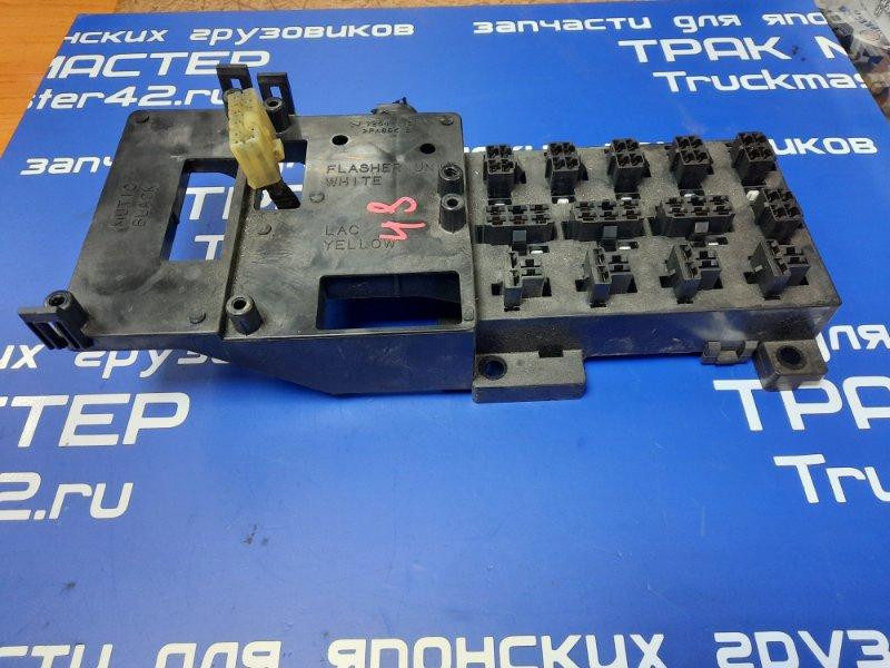 Блок предохранителей Mitsubishi Canter FE50EB 4M51 2001