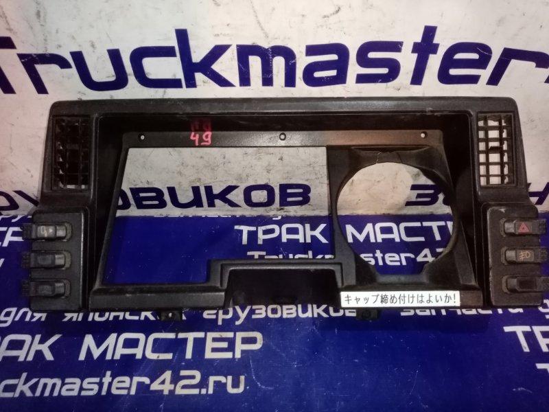 Консоль панели приборов Isuzu Forward FRR13JB 6SA1 1992