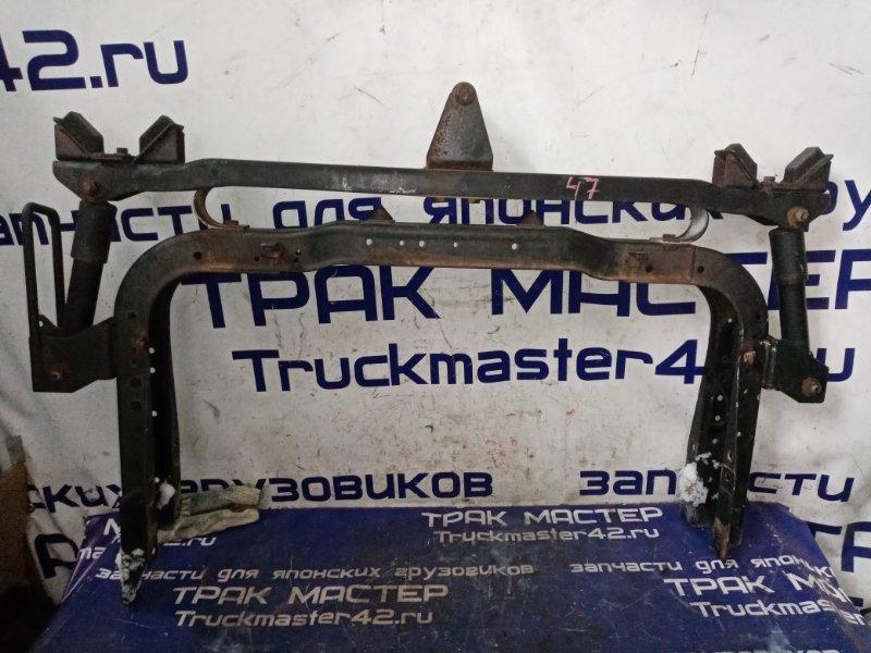 Крепление кабины задние Nissan Diesel MK21A FE6 2004