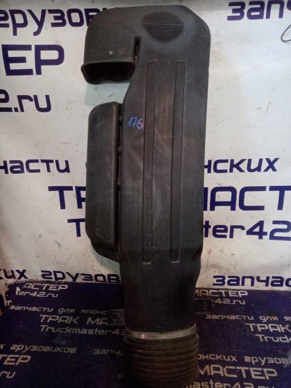 Воздухозаборник шноркель Nissan Diesel MK25A FE6 2004