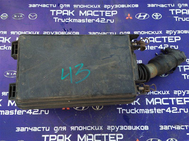 Блок предохранителей Mitsubishi Canter FE82DE 4M50 2006