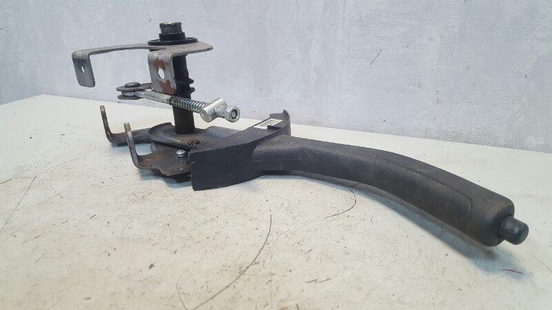 Ручка ручника Kia Cerato 2 TD G4FC 1.6Л 2010