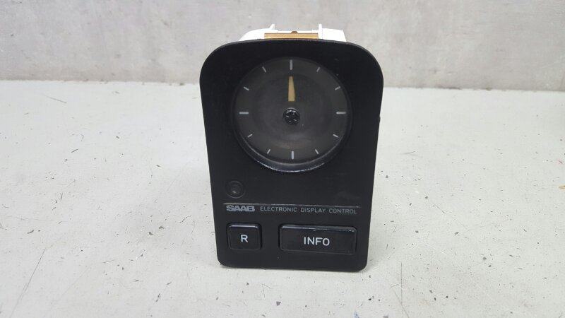 Часы Saab 9000 YS3C B202XI 1986
