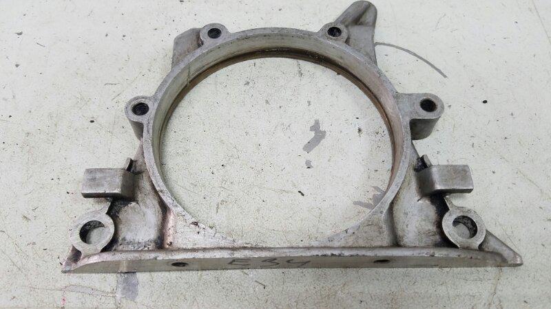 Крышка заднего сальника коленвала Bmw 525I E34 M20 1988