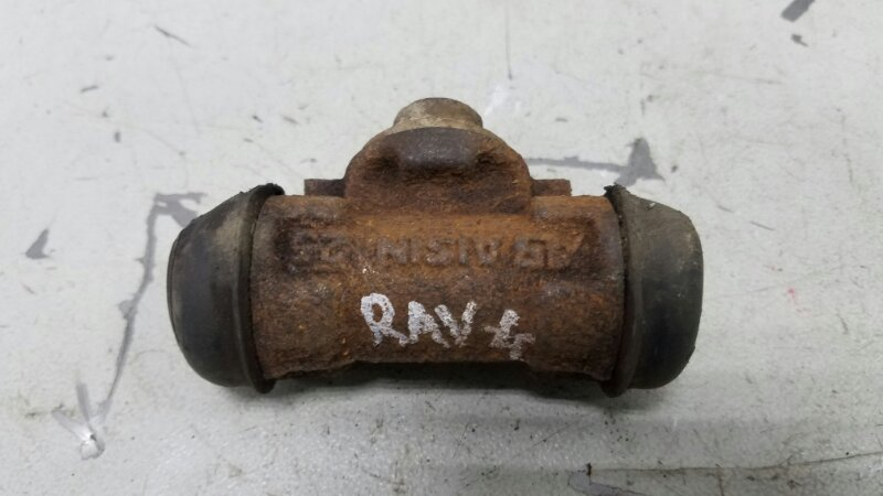 Рабочий тормозной цилиндр Toyota Rav 4 A10 3S-FE 1998г
