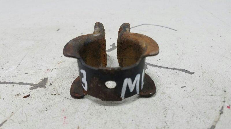 Кронштейн крепления стабилизатора скоба Mercedes Ml430 W163 M113.942 1999