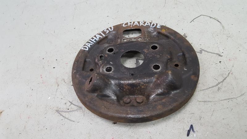 Пыльник ступицы Daihatsu Charade G100 задний