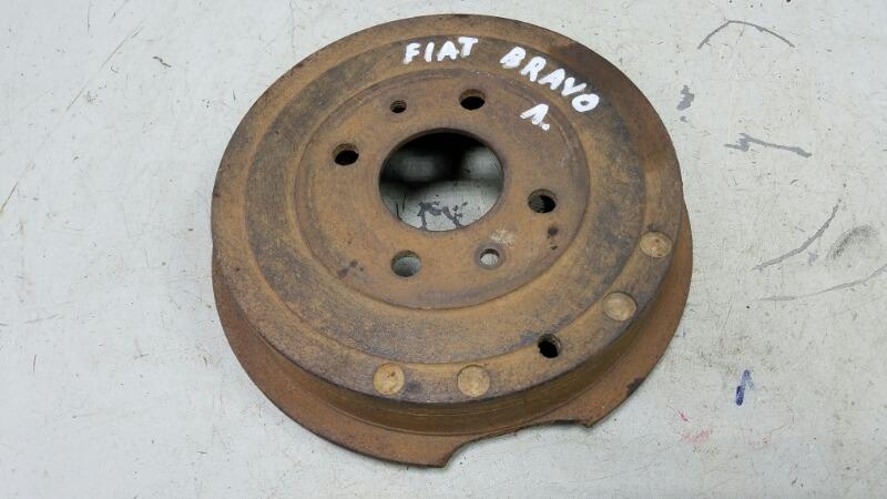 Тормозной барабан Fiat Bravo 188A5.000 1998 задний левый